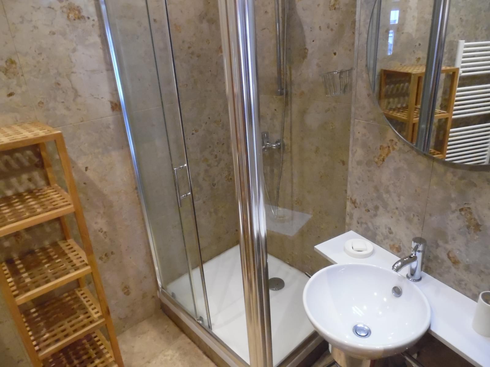 pf16905-apartamento-t1-lisboa-039bbc62-ac7b-4616-b150-9cd601711217