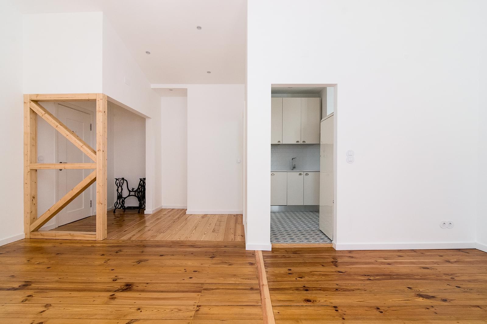 pf16908-apartamento-t2-lisboa-40f78194-dff2-409f-8595-500c753c7d65