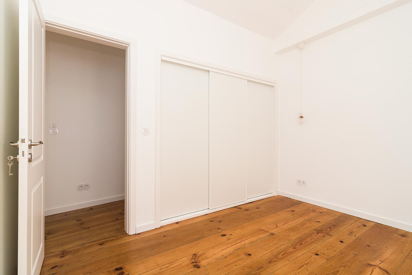 pf16908-apartamento-t2-lisboa-60185120-b2a1-46c8-bb2e-6d36d7075755