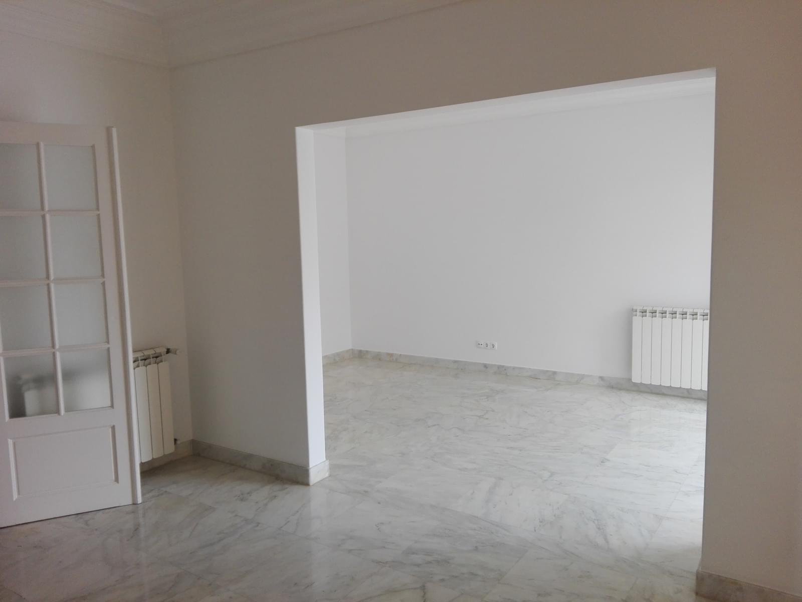 pf17056-apartamento-t4-1-lisboa-0a00ff72-bb9d-4542-b4b1-cfa75763c0e2