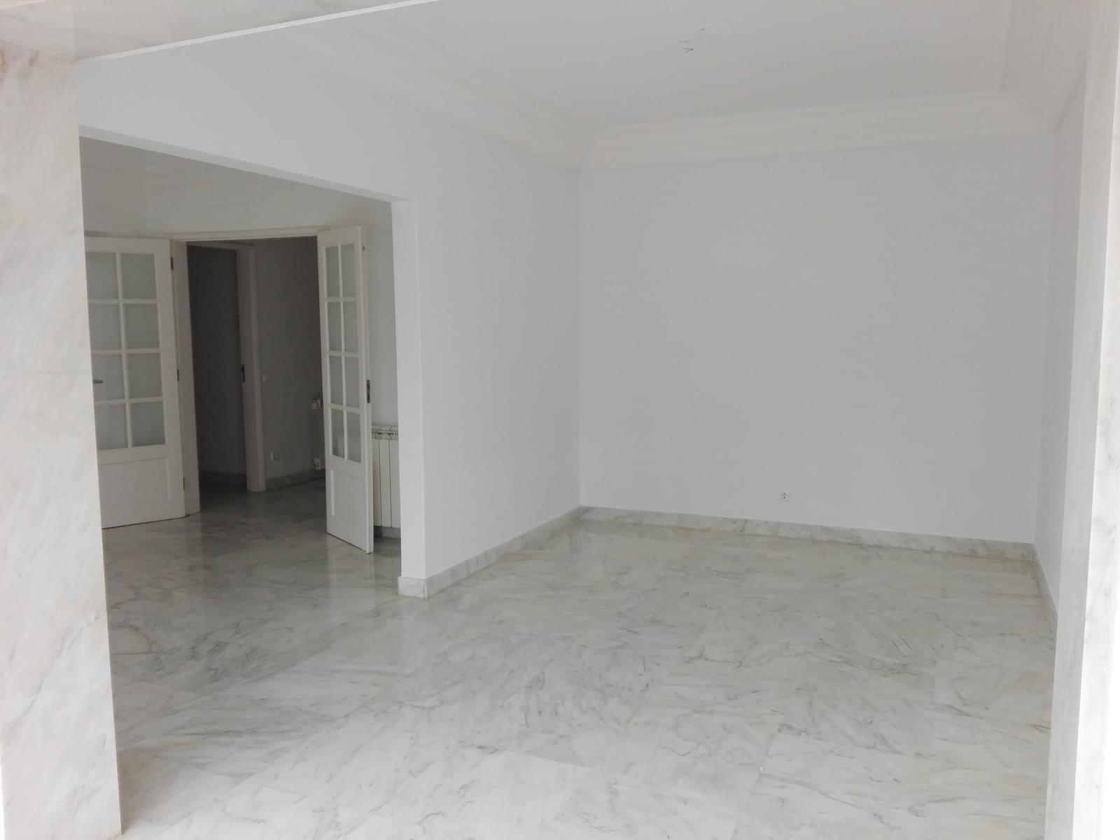pf17056-apartamento-t4-1-lisboa-3b3e2bc4-1231-43bc-b36d-8557c9d9b681