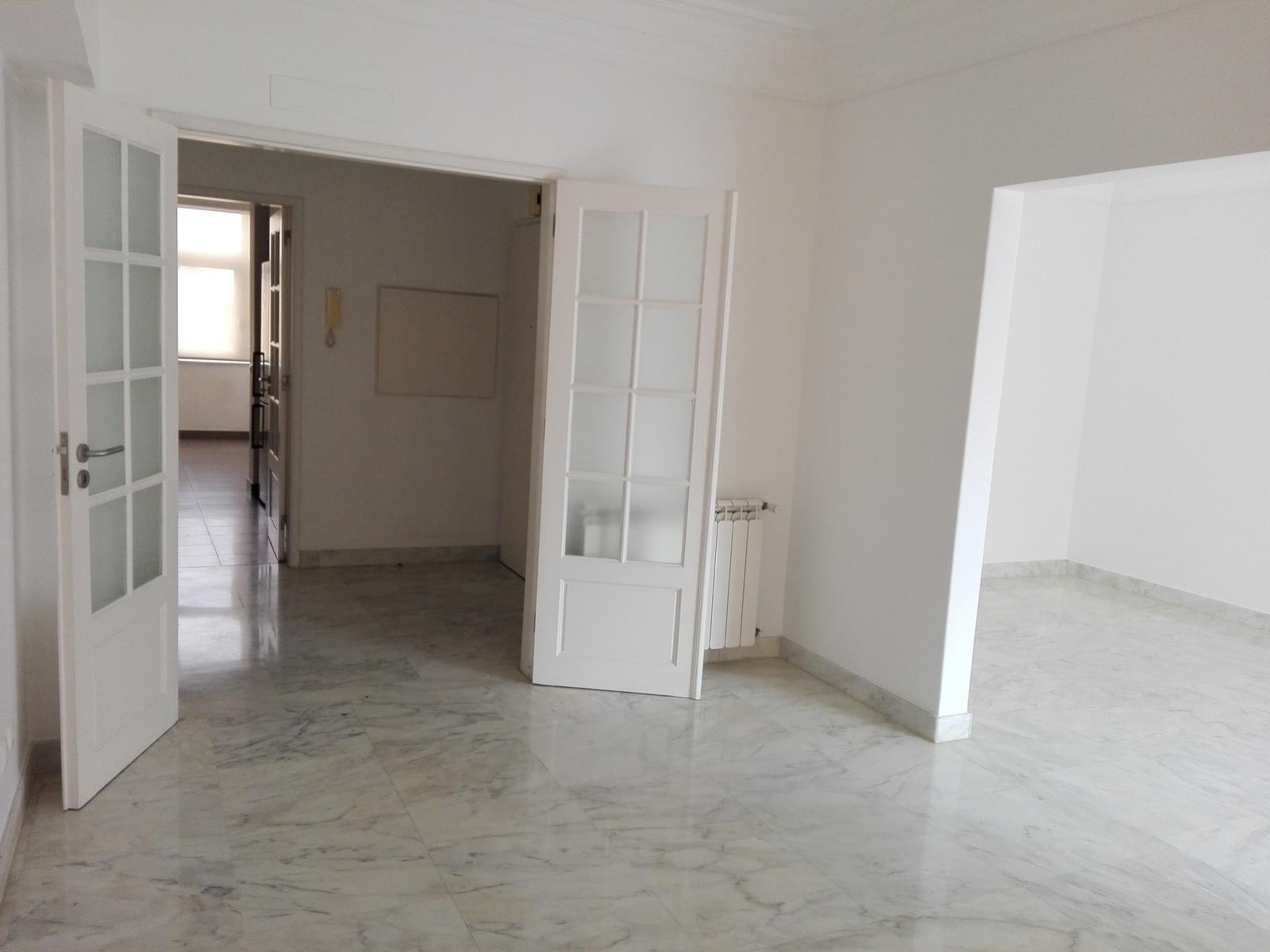 pf17056-apartamento-t4-1-lisboa-557ec7a5-0e29-4936-8500-4bee69029f81