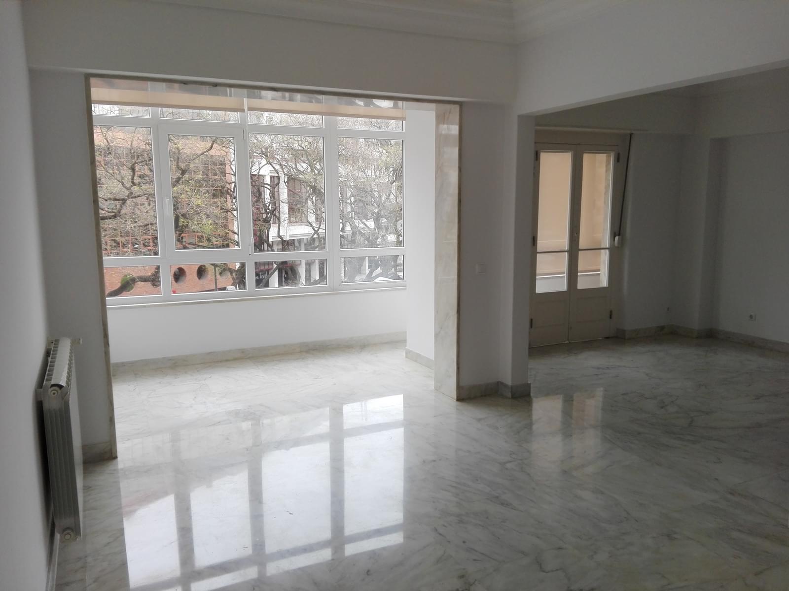 pf17056-apartamento-t4-1-lisboa-6ca180c2-3bd6-4430-be7d-b1123fa6a064