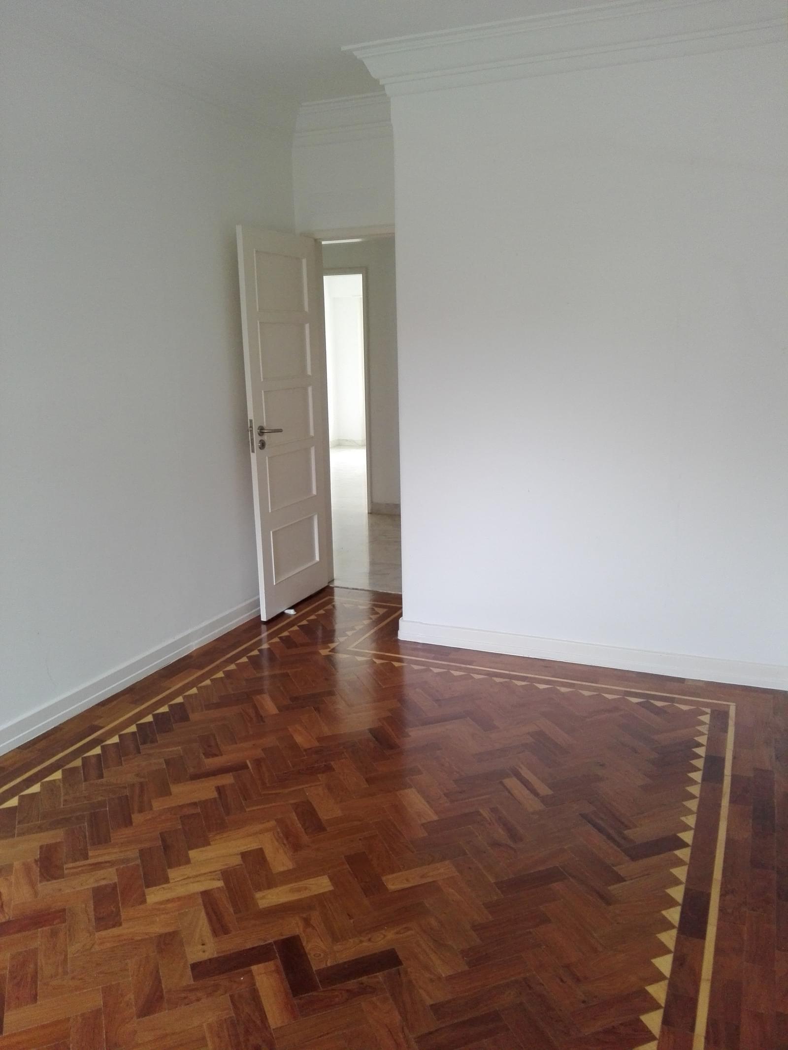 pf17056-apartamento-t4-1-lisboa-c5de4990-e40d-49eb-bb55-f2ef05a1f7d0