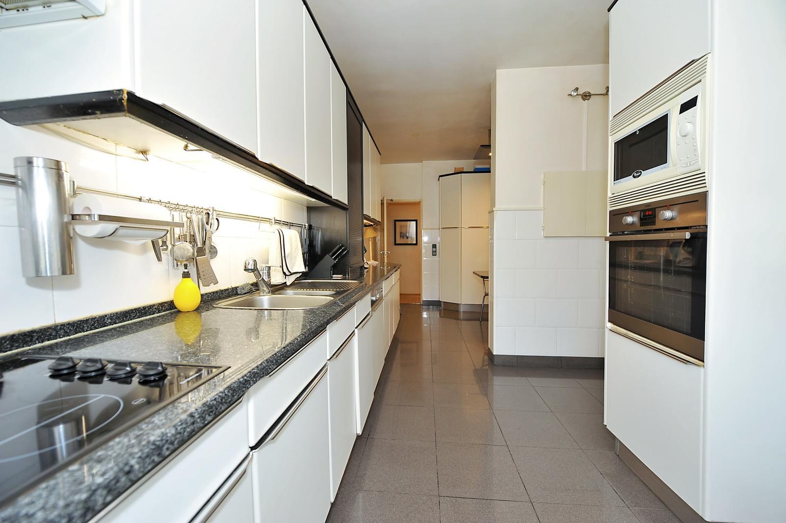 pf17071-apartamento-t4-oeiras-ce97d5d5-493a-4e06-951e-0069b07f10bf