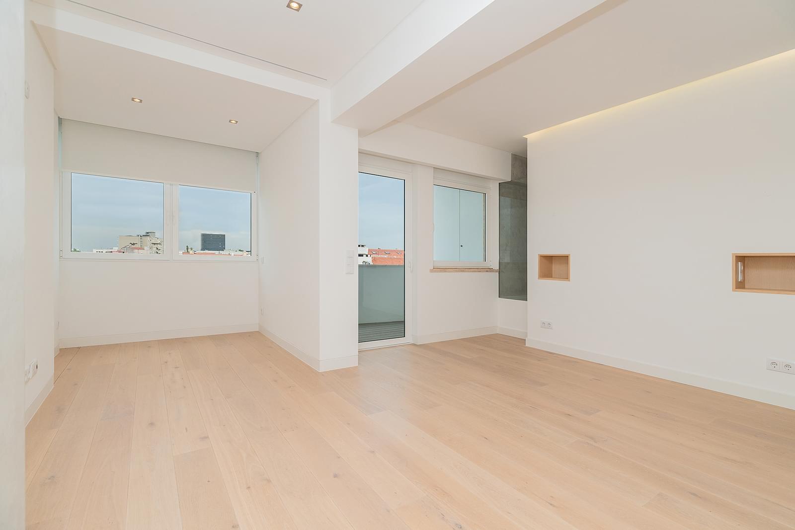 Apartamento T3+1 novo