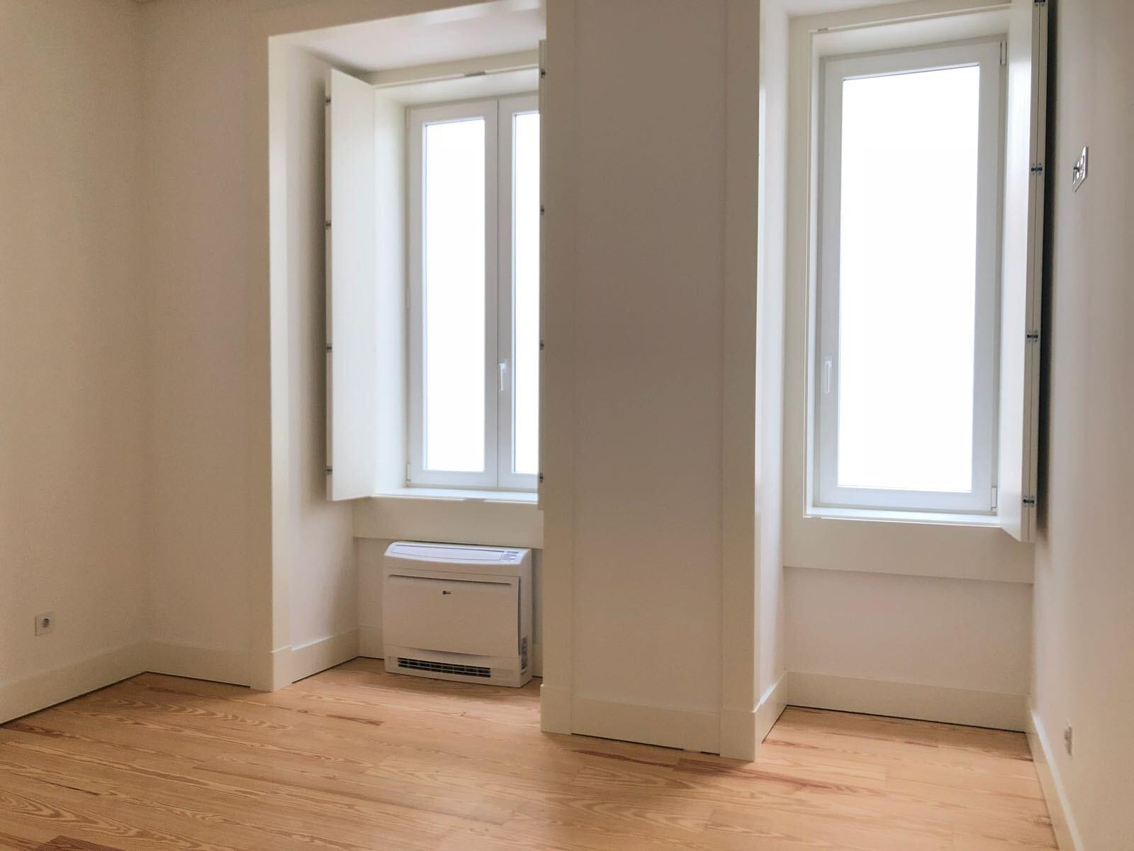 pf17142-apartamento-t2-lisboa-aae28486-83dc-4fbe-8d99-48bfc619bf48