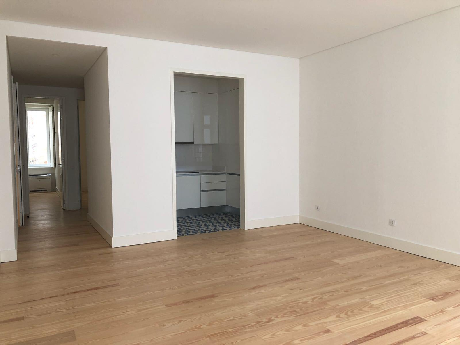pf17142-apartamento-t2-lisboa-fa0177c8-e225-4851-a4c0-79af64f7ad90