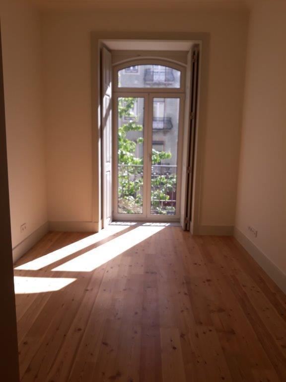 pf17144-apartamento-t2-lisboa-174a39db-3010-4407-b8b2-29a93c9a1279