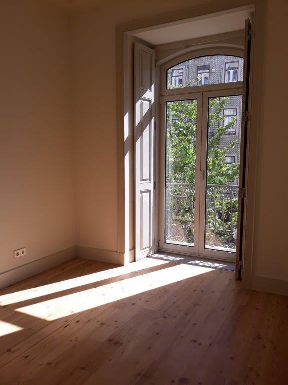 pf17144-apartamento-t2-lisboa-40cc313e-055a-4d7a-861b-6edbc4661277