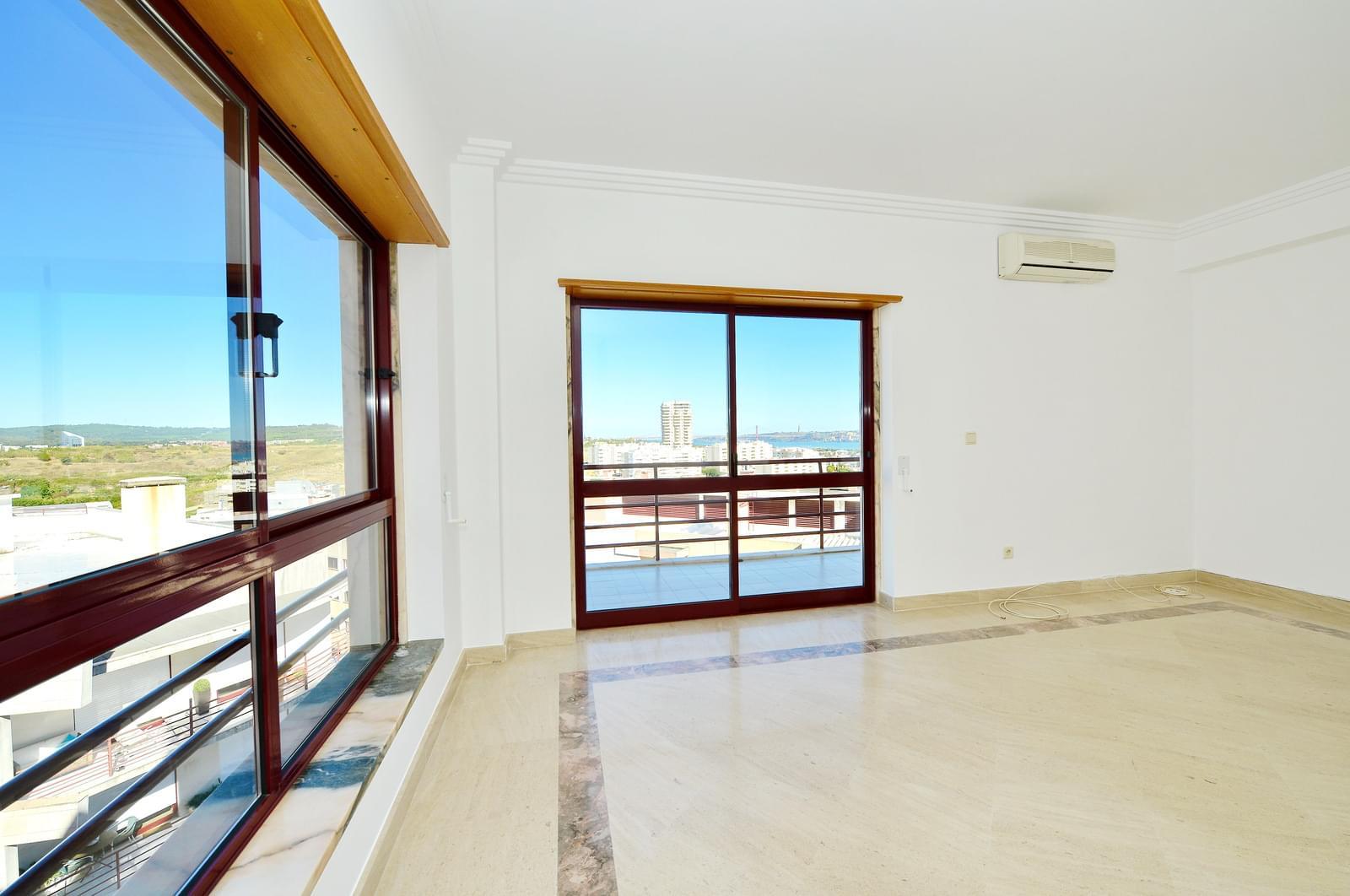 pf17174-apartamento-t3-oeiras-6aa00290-361c-4d69-8712-2585d0d73521