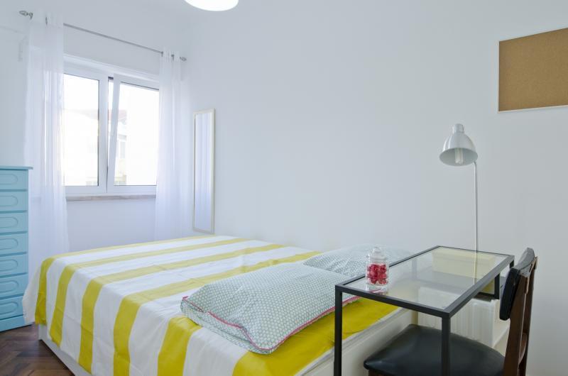 pf17185-apartamento-t4-lisboa-62c400ba-bd2f-49bf-8fa9-7709bf240400