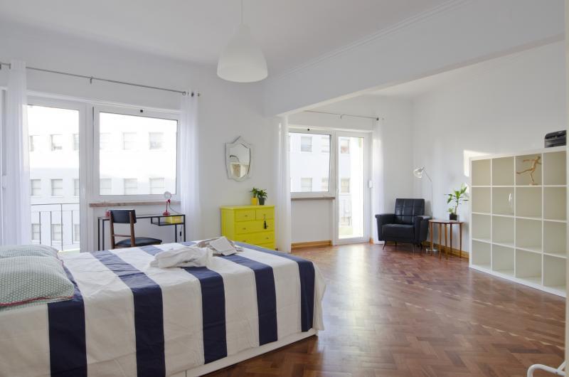 pf17185-apartamento-t4-lisboa-99f443a5-b830-4a97-98a4-c73bcd88d6a2