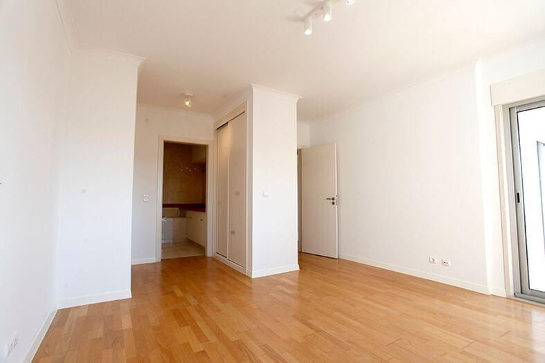 pf17190-apartamento-t2-lisboa-0b98599f-3e56-4a39-b815-e9bb9446b8ab