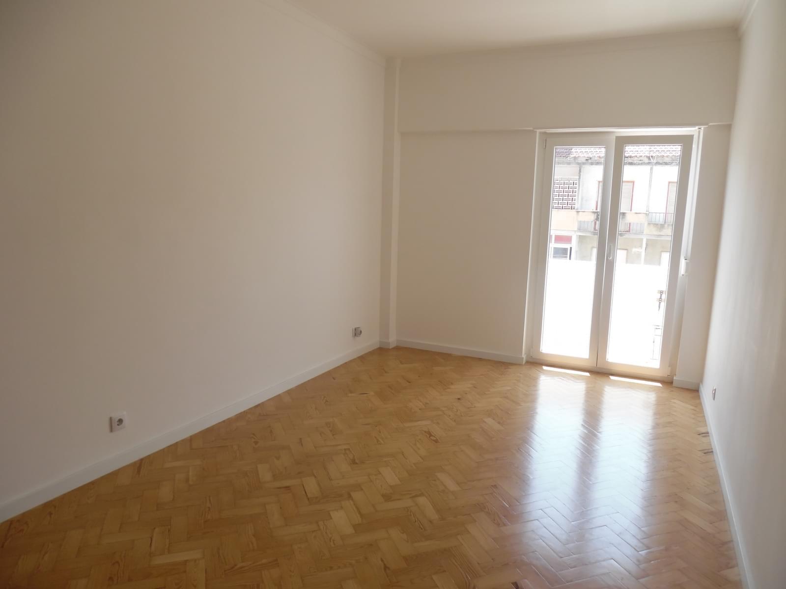 pf17256-apartamento-t2-lisboa-1a7da1d9-f36a-446a-817e-2f4f7fb82a9f