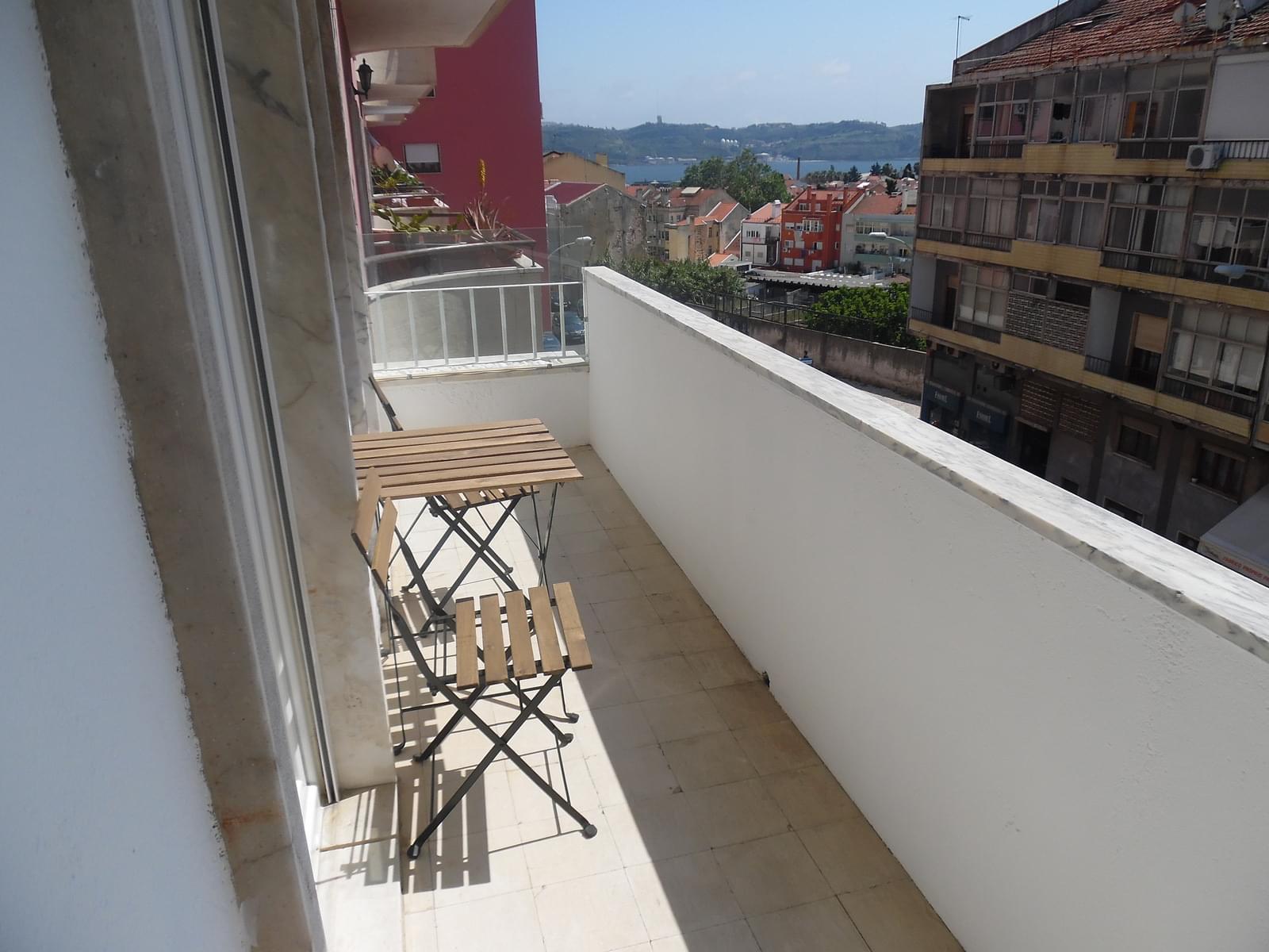 pf17256-apartamento-t2-lisboa-2dcd86d4-895b-4498-ac46-d6a802acc277