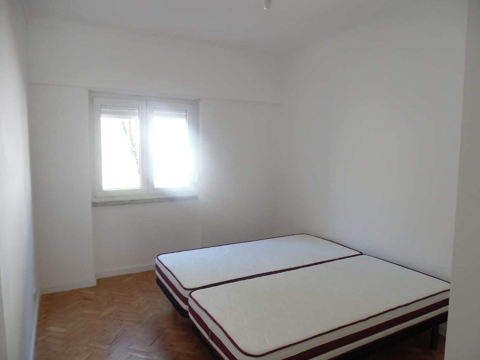 pf17256-apartamento-t2-lisboa-a69a030b-7233-46d2-bf28-fb925a97e2a2