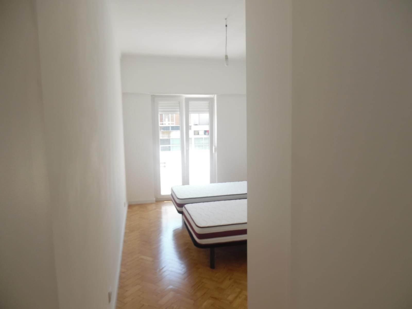 pf17256-apartamento-t2-lisboa-c4e02185-339c-4b5a-a412-791f2313b8cb
