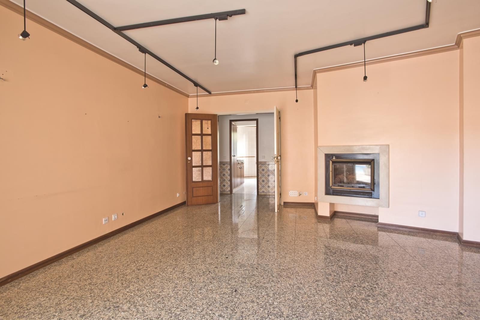 pf17280-apartamento-t2-cascais-a0b1c2eb-a0b6-43e6-ac33-8c7b62abe354