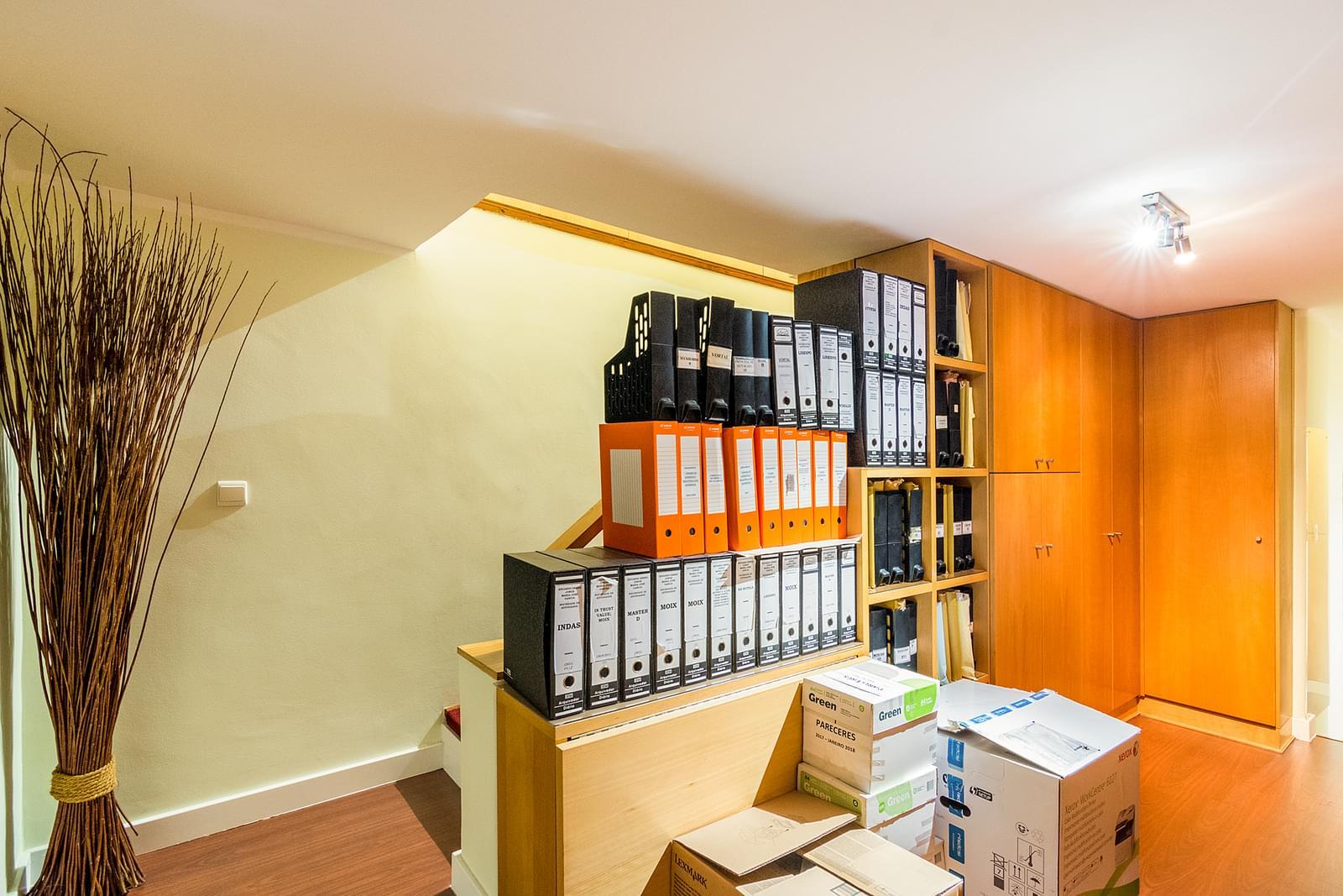 Apartamento T4+1 duplex para remodelar