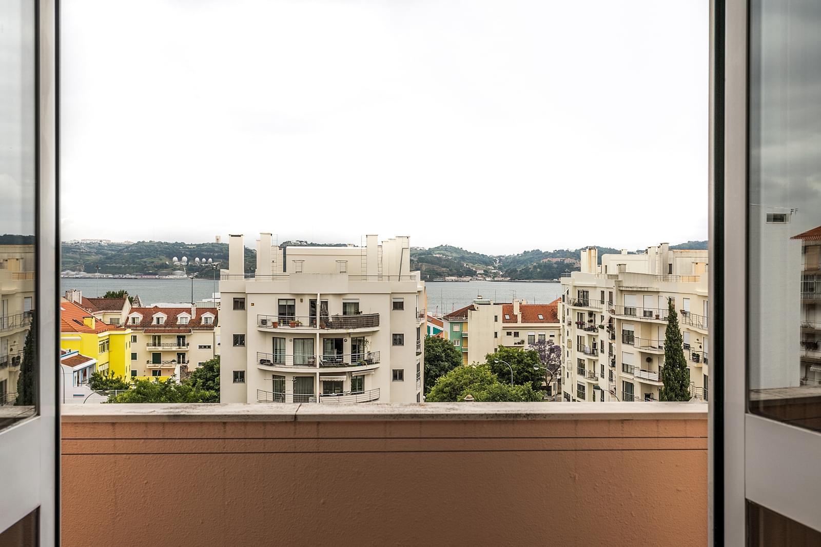 pf17352-apartamento-t3-lisboa-52af327c-cd16-4880-ac9c-6053ba6c84e2