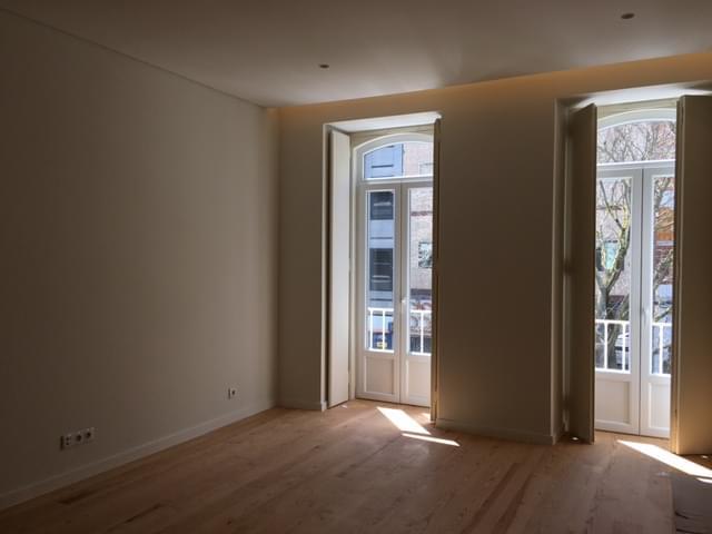 pf17403-apartamento-t2-lisboa-7e7a8f7f-45c7-45f2-bda4-c5d5bc52cdca