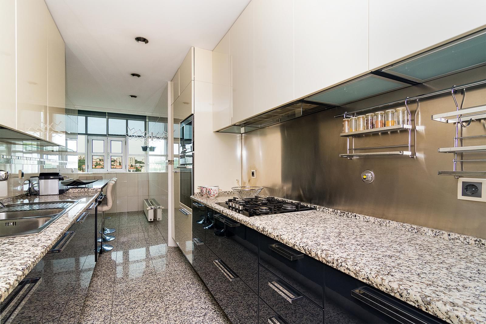 pf17449-apartamento-t4-lisboa-3188721b-4241-47cd-9d6d-561a9b773806