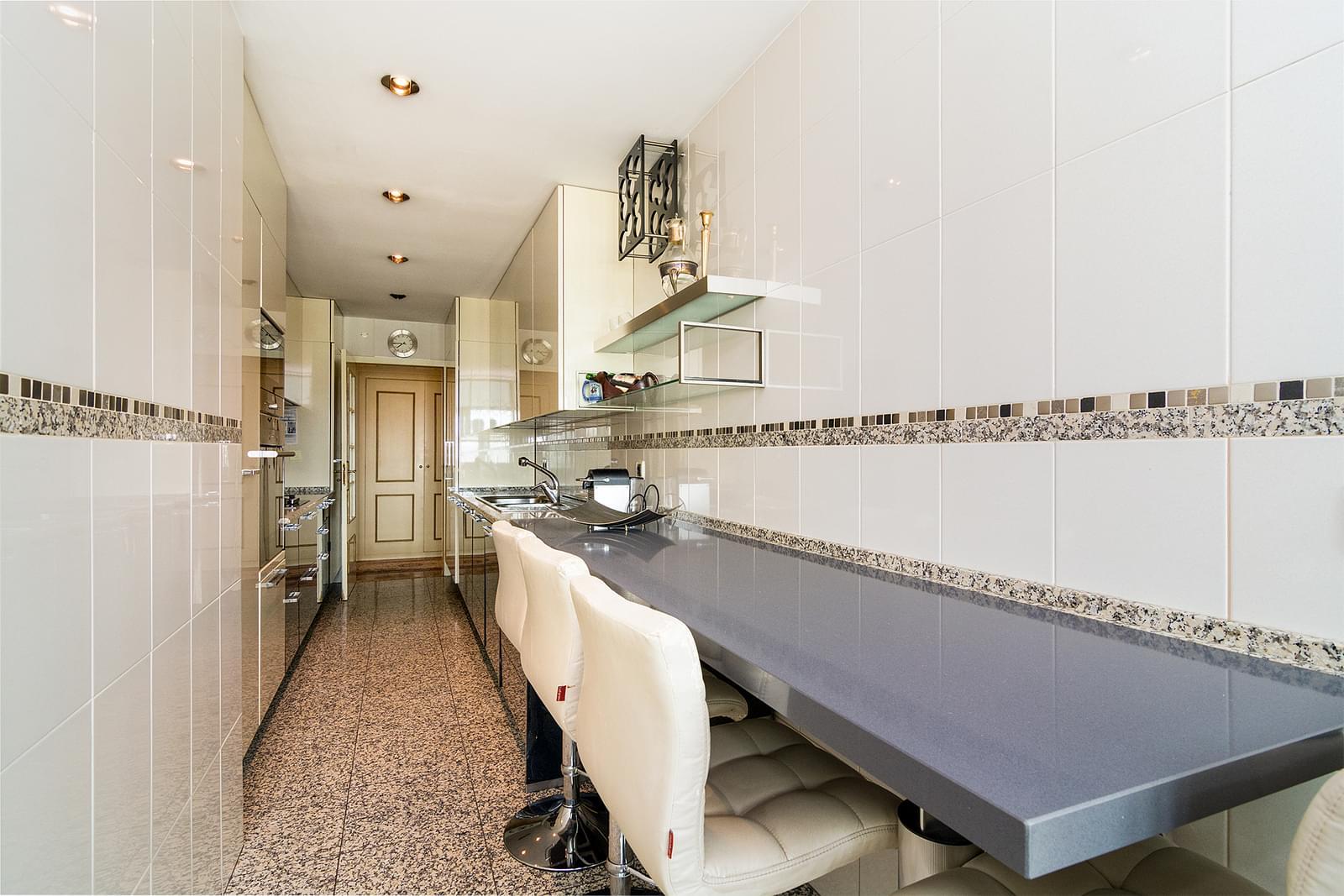 pf17449-apartamento-t4-lisboa-aa7d8827-c2f2-4d36-98d6-0b14f9a00489