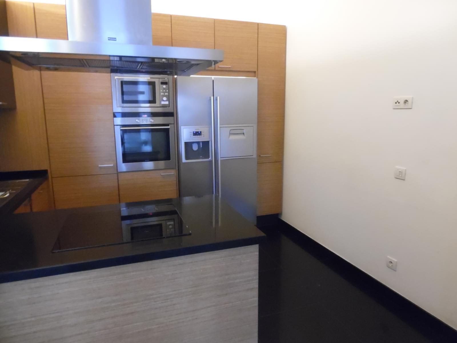 pf17454-apartamento-t4-lisboa-08a6e251-745a-4c77-b454-abcdcfc43f6d