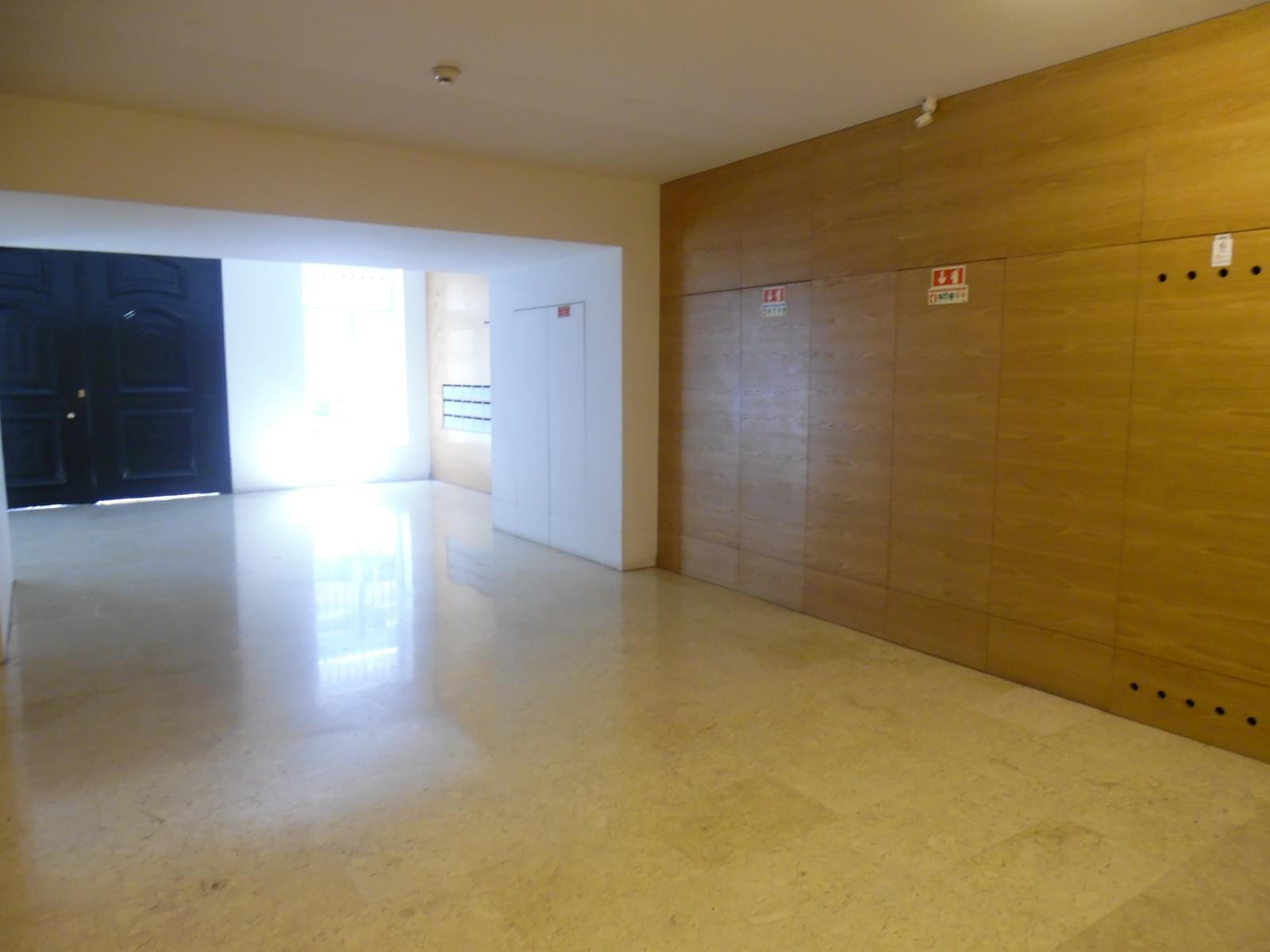 pf17454-apartamento-t4-lisboa-134d2409-fd67-4f30-b2de-d3fe95ad0e81