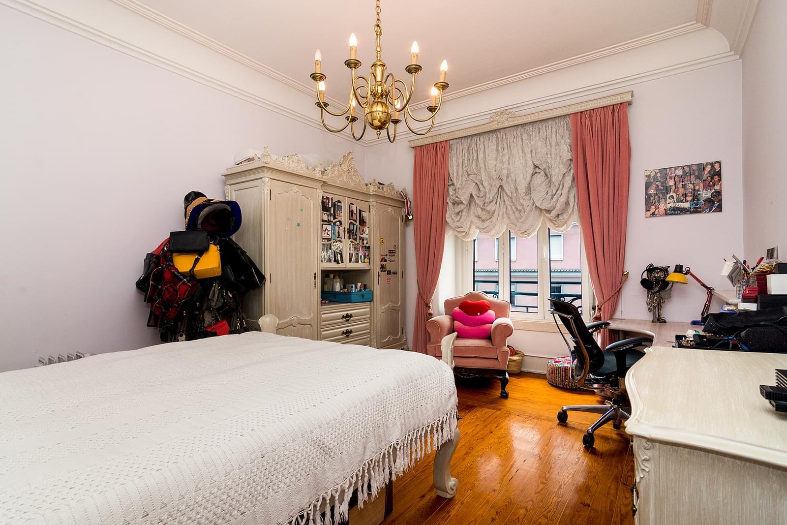 pf17510-apartamento-t4-1-lisboa-02e86978-8fa2-4048-9b45-c280929c30c0