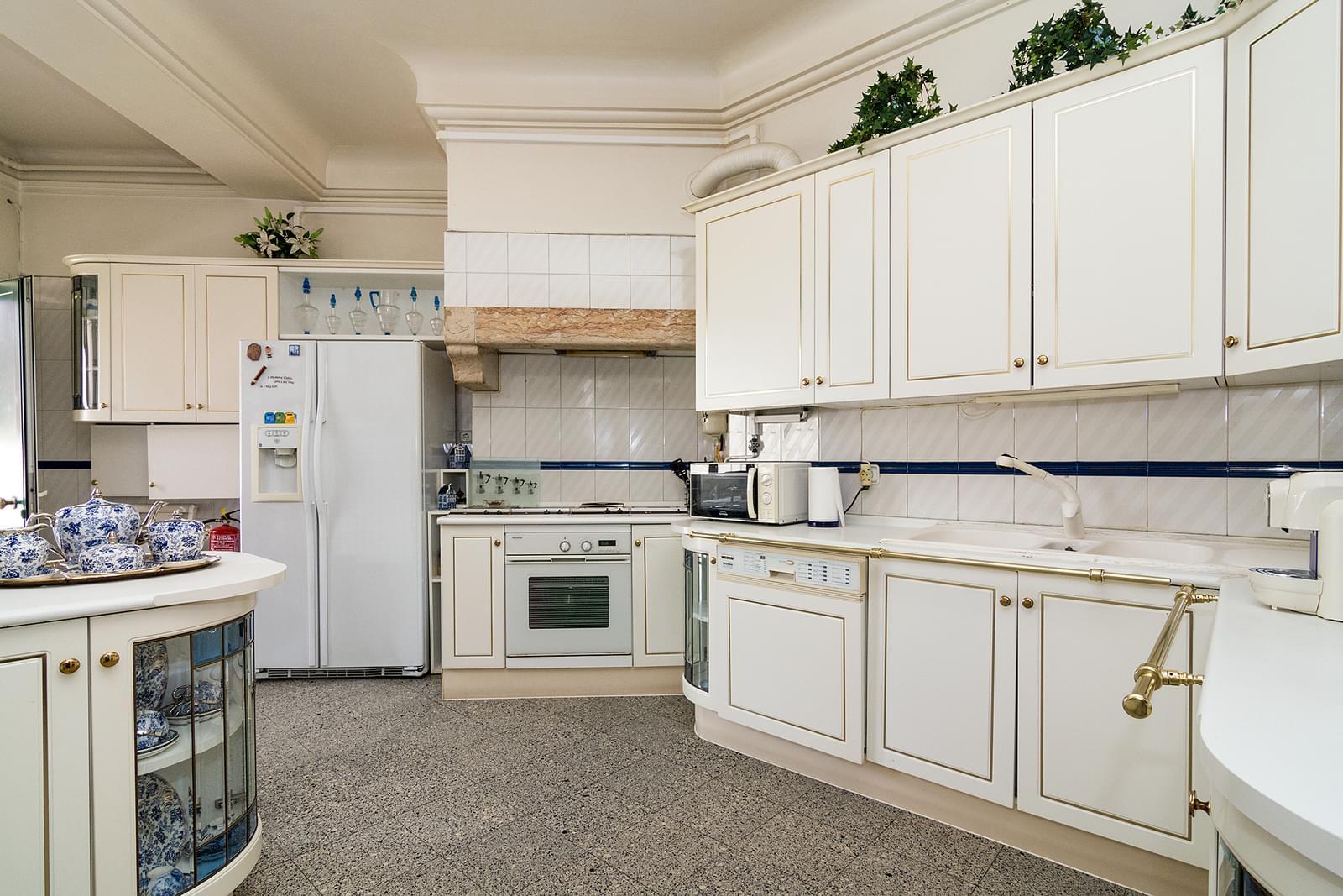 pf17510-apartamento-t4-1-lisboa-7ff72aa3-0b6f-4850-b6e7-34960cc41fb1