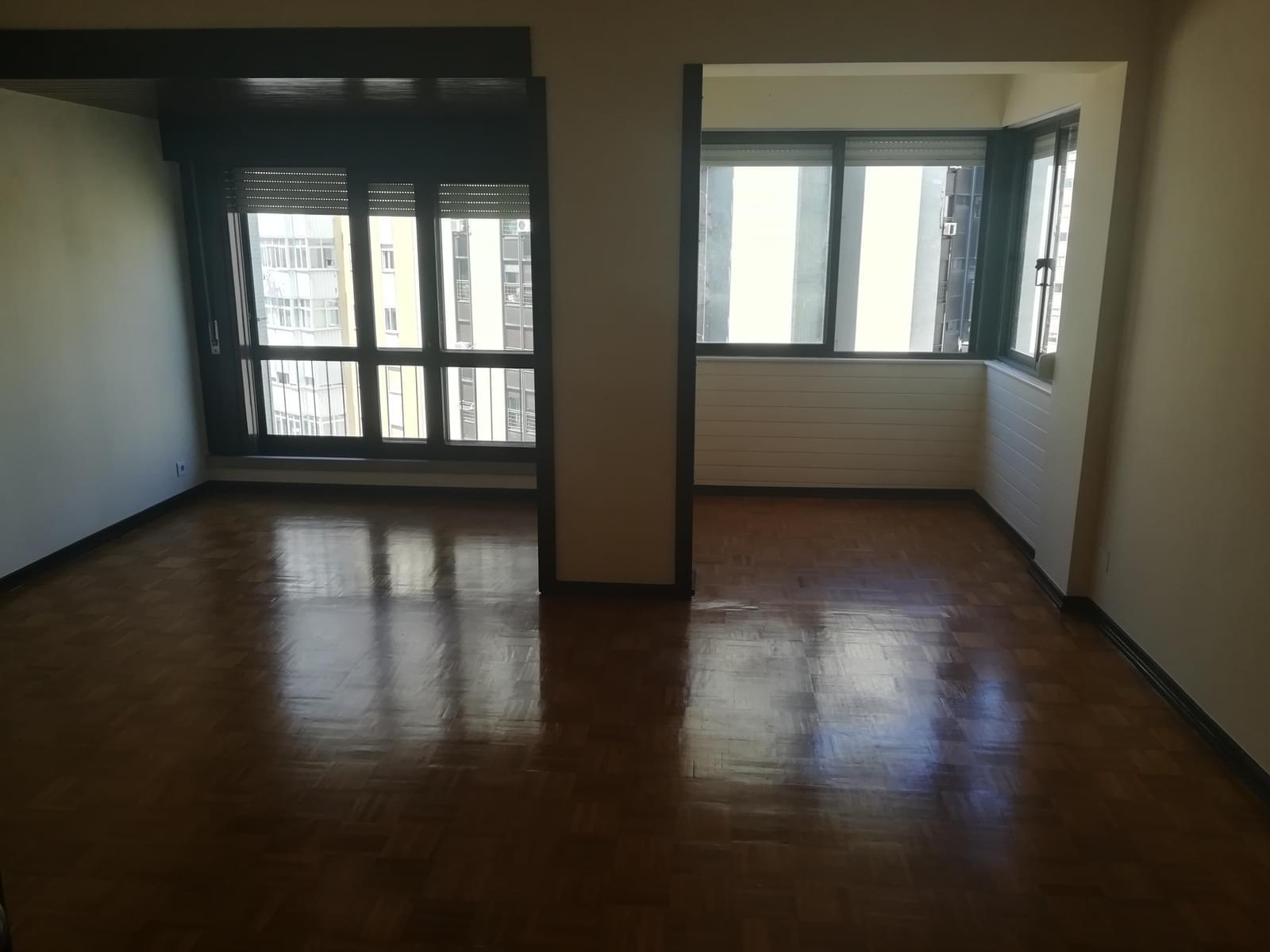 pf17568-apartamento-t3-oeiras-56a120c2-610e-453d-87de-52fa5702fc56