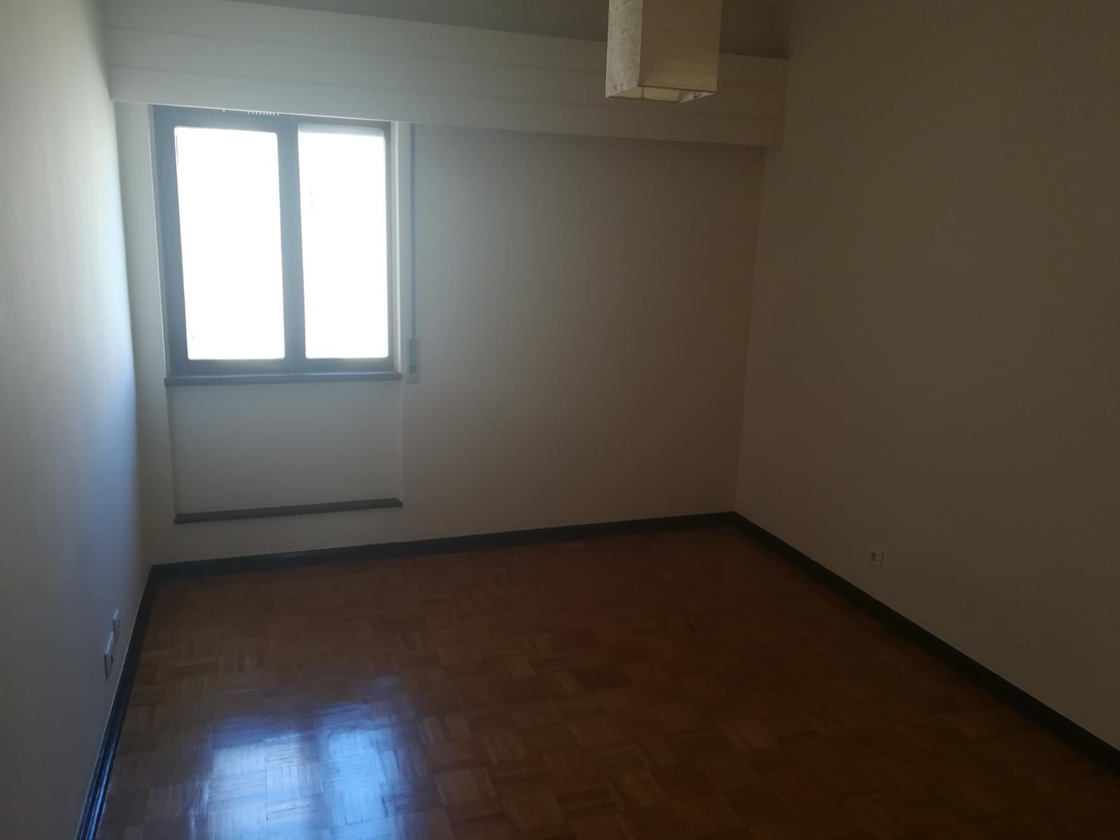 pf17568-apartamento-t3-oeiras-d5543722-0c61-45fb-87ad-903079f8f0f3
