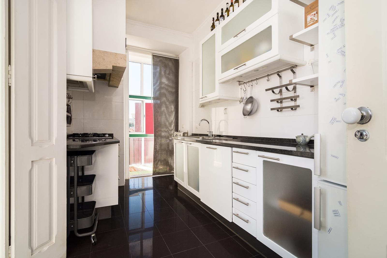 pf17569-apartamento-t2-lisboa-562e5a4e-276d-41a8-b2cc-b5d7a1b9c032