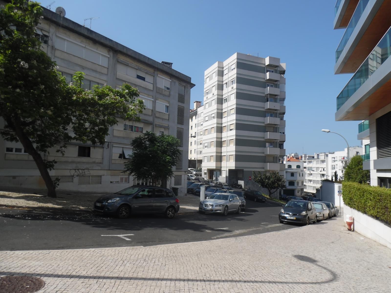 pf17621-apartamento-t4-lisboa-471cfc8d-3ed6-4aec-b437-877cb88794fc