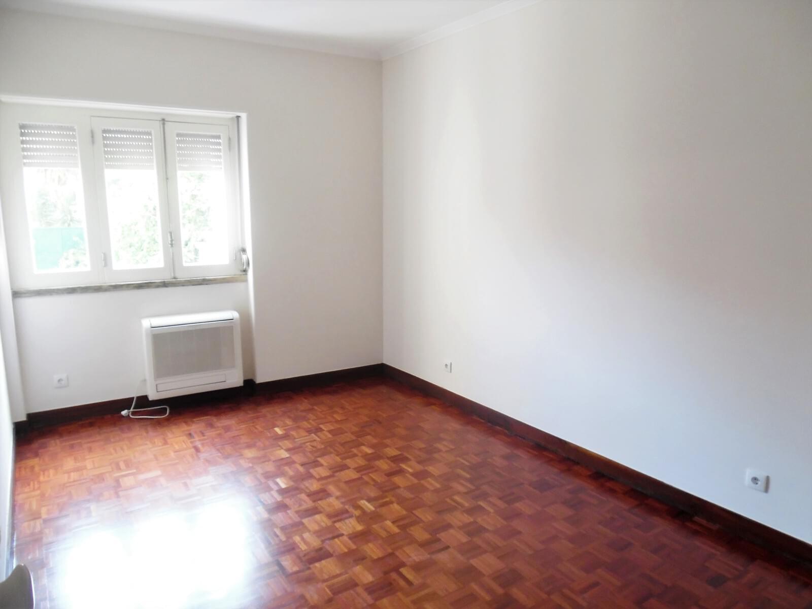 pf17621-apartamento-t4-lisboa-4dc185f6-2848-4cf6-bddc-a833fc85edf4