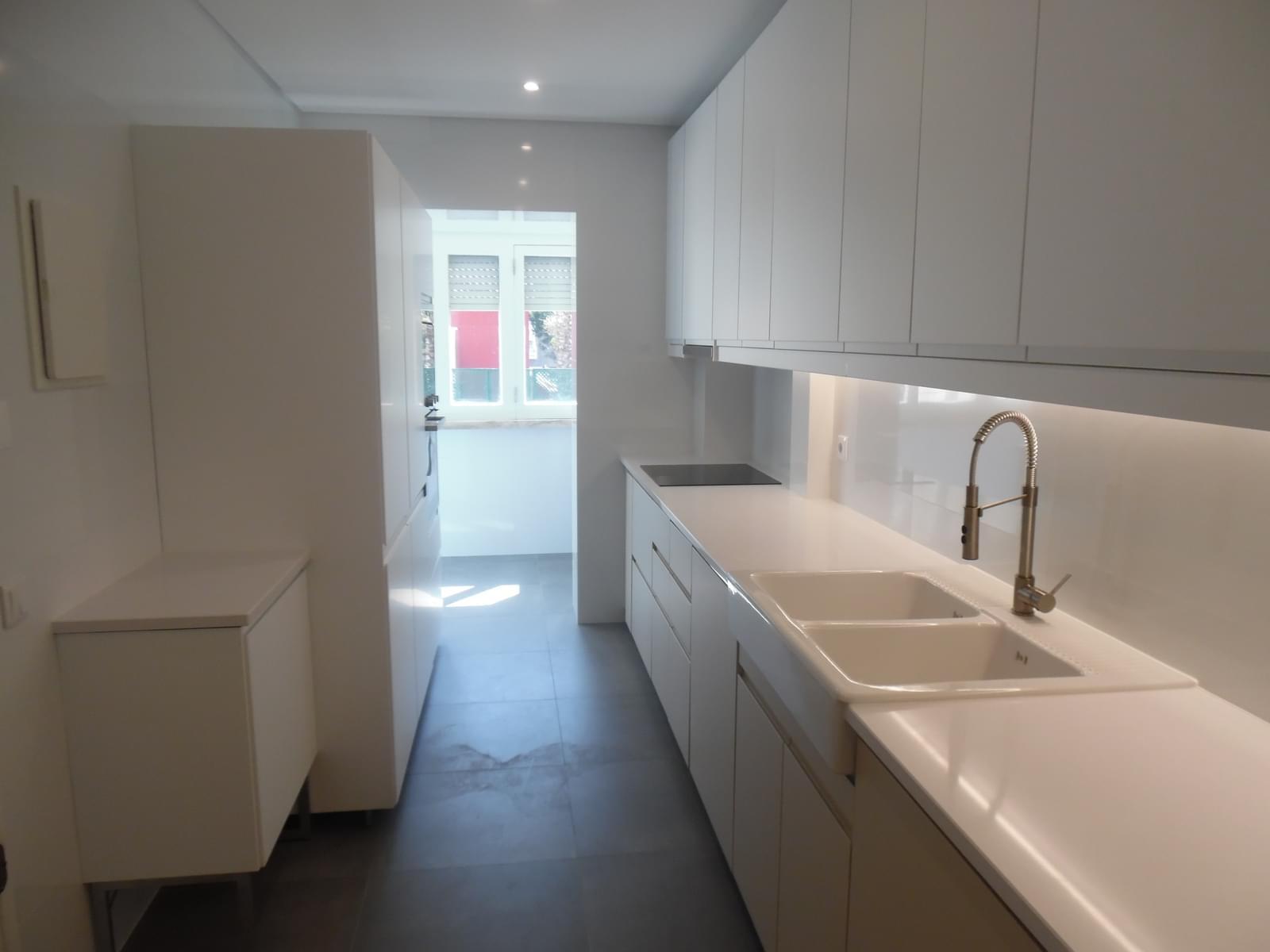 pf17621-apartamento-t4-lisboa-9b019ddd-bd85-40b5-93c9-f5efa45a1c62