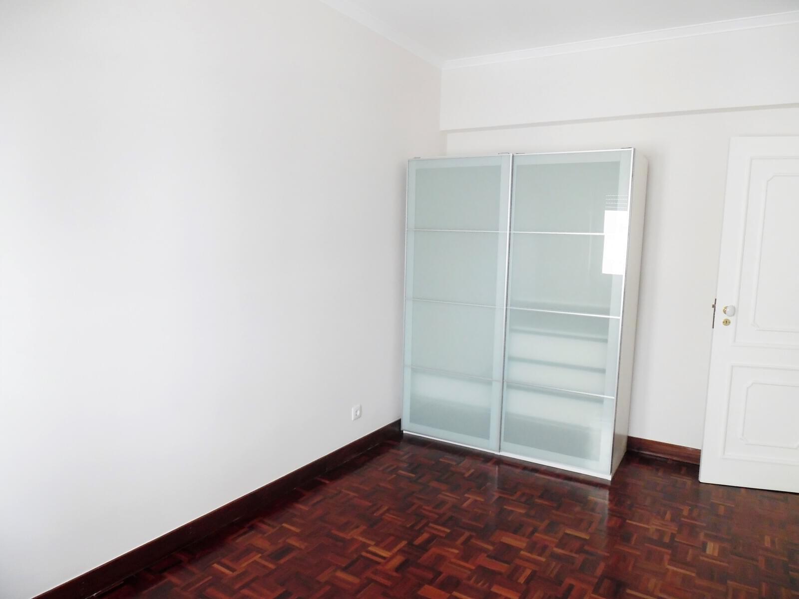 pf17621-apartamento-t4-lisboa-a90b5d5d-56a6-46f9-9435-6db749ebdc0c