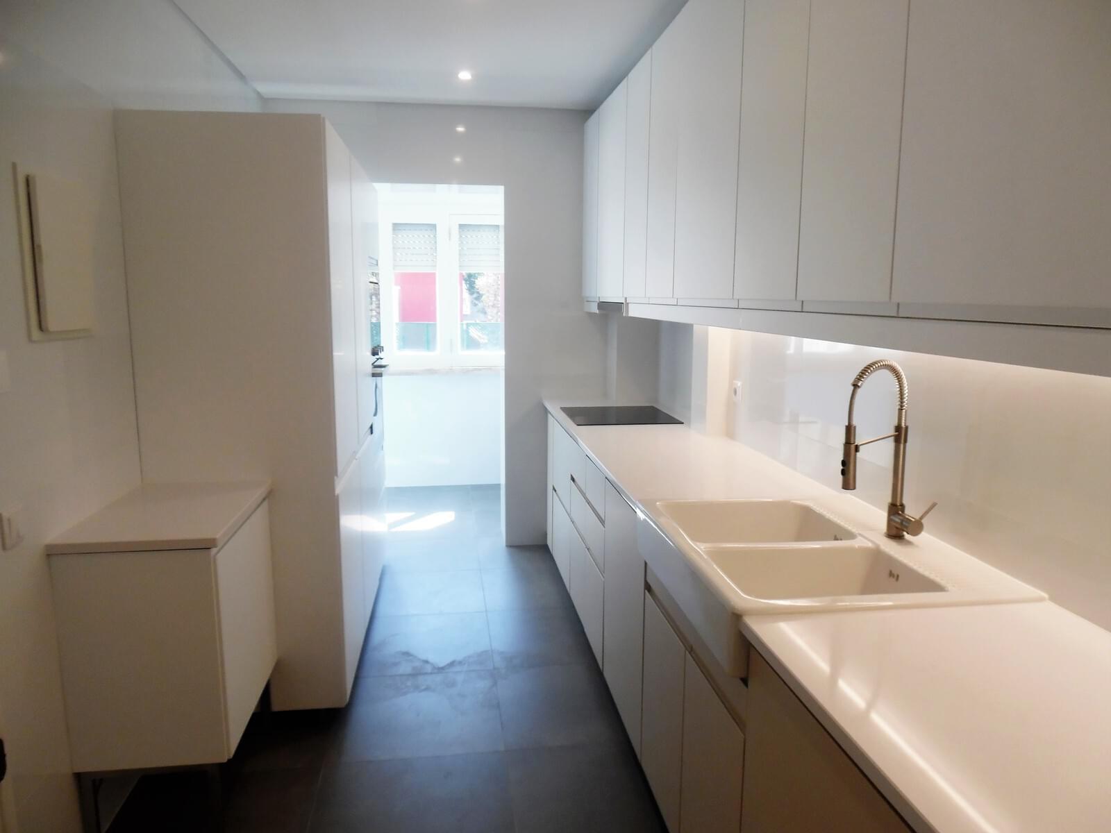 pf17621-apartamento-t4-lisboa-c195c227-9166-4445-a547-a3271d73aee5