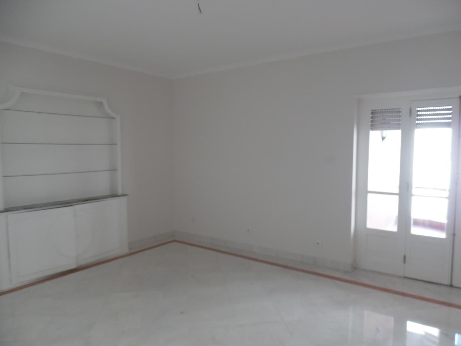 pf17621-apartamento-t4-lisboa-e0b0f5a6-d27e-4116-8e85-c5047a8dd5b1
