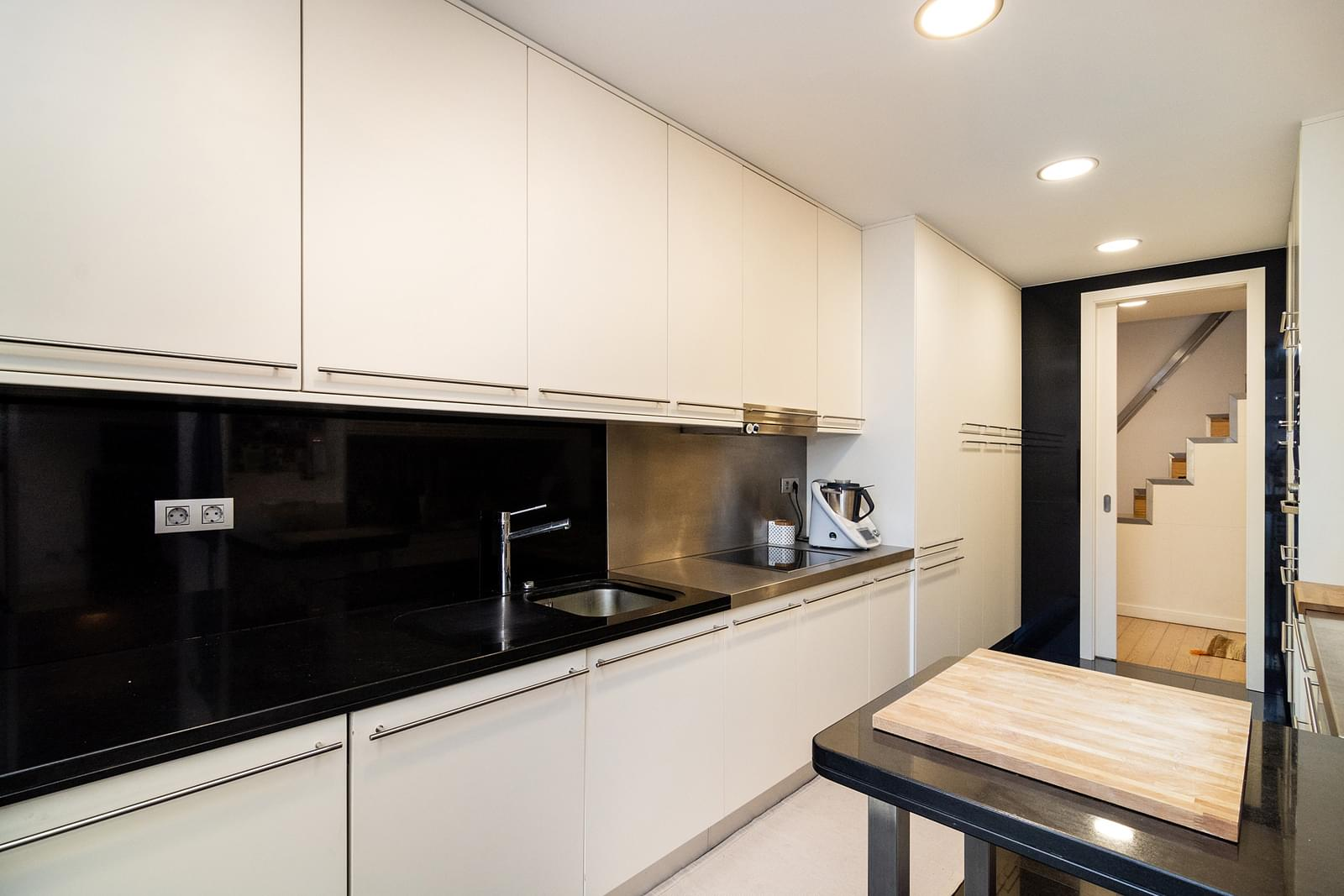 pf17626-apartamento-t6-lisboa-2b858e1b-a1a2-409b-899b-ac6968d03834