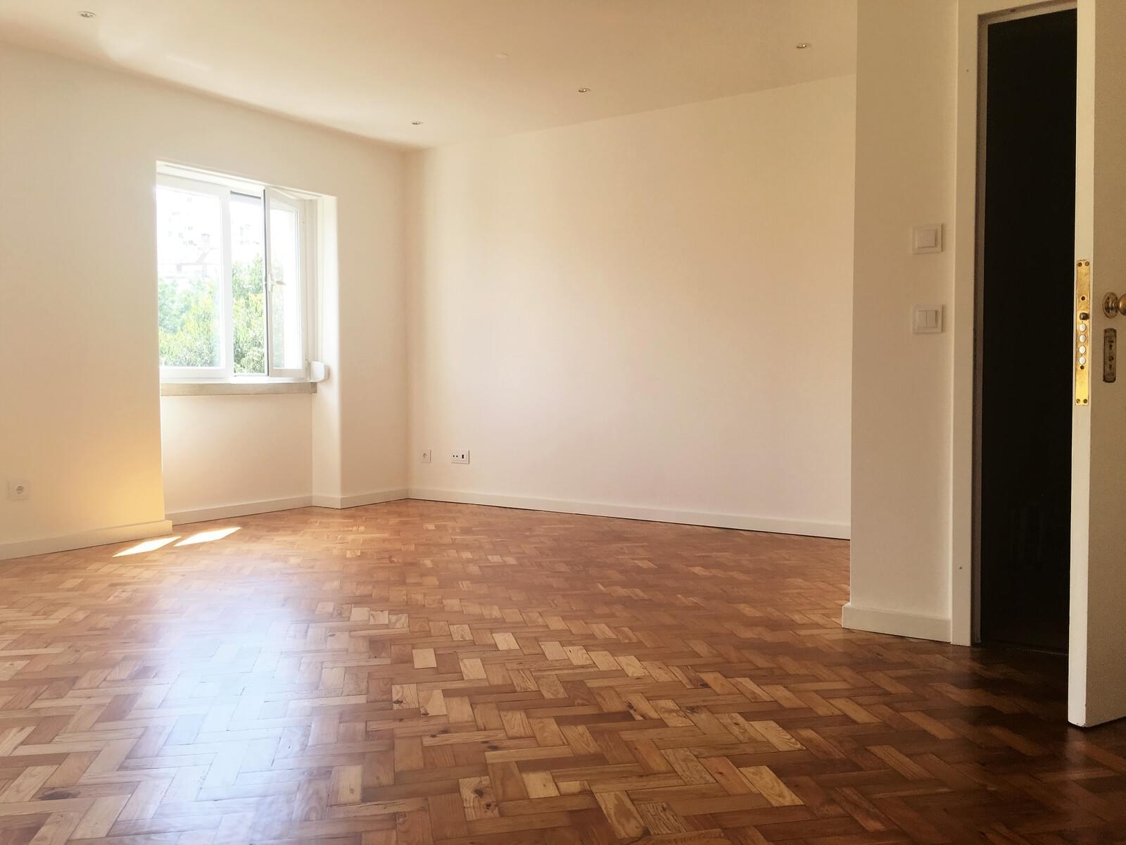 pf17642-apartamento-t3-lisboa-00eb953e-d878-4bfd-91f4-02a181f2e993