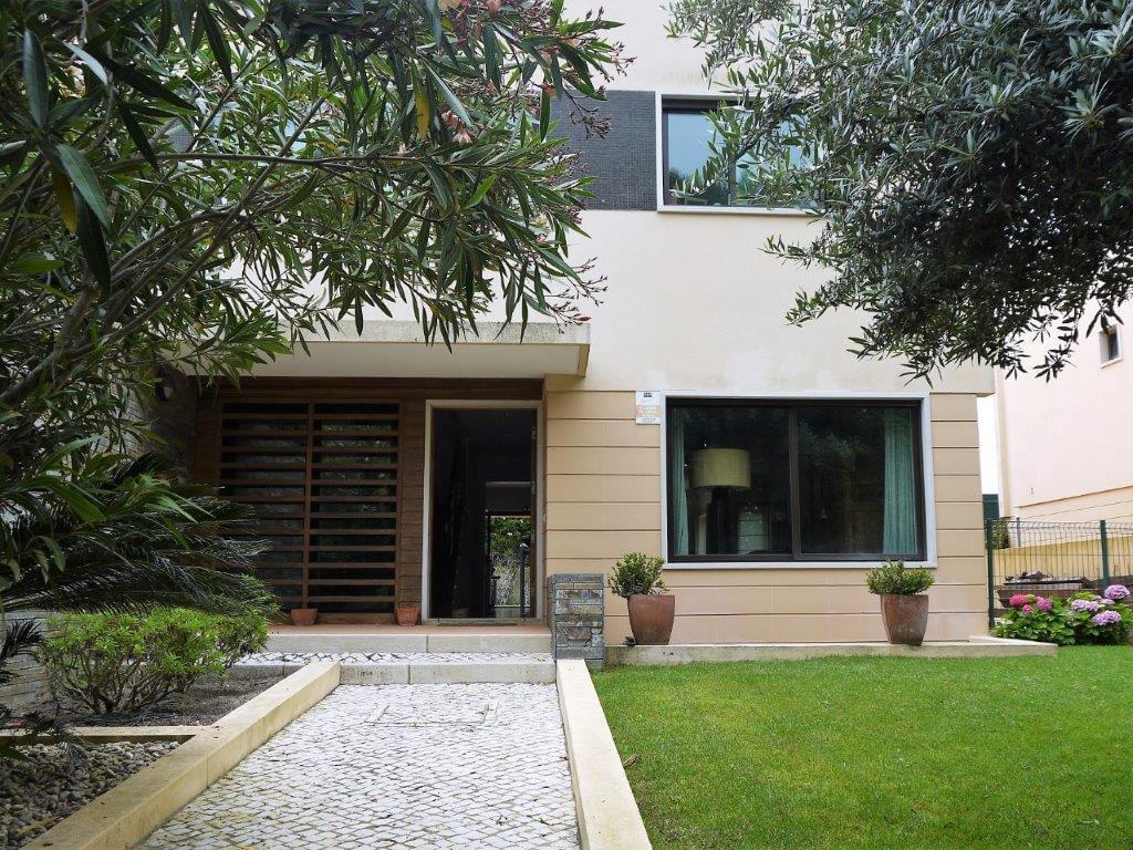 PF17790, Villa T4+1, CASCAIS