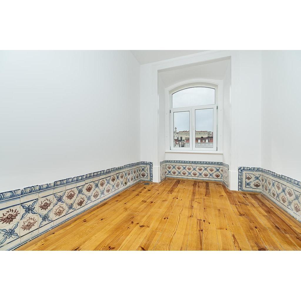 PF17813, Apartamento T2 + 1, Lisboa