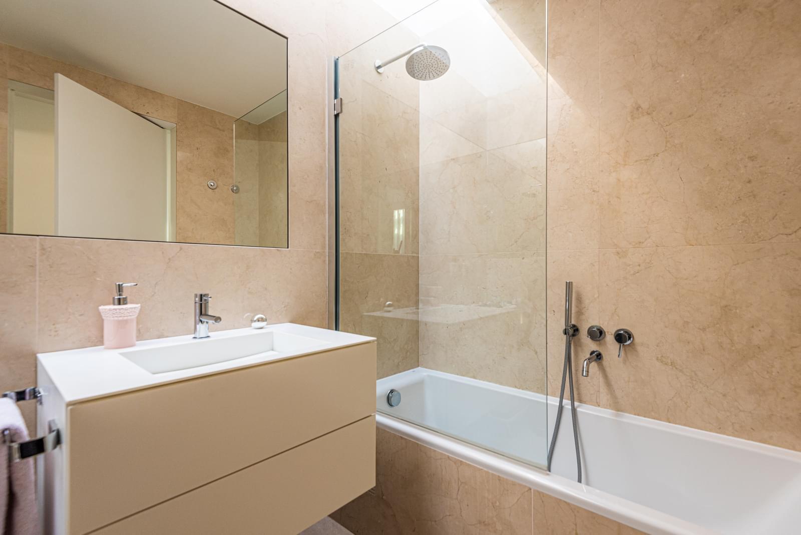 PF17821, Apartamento T4, Oeiras