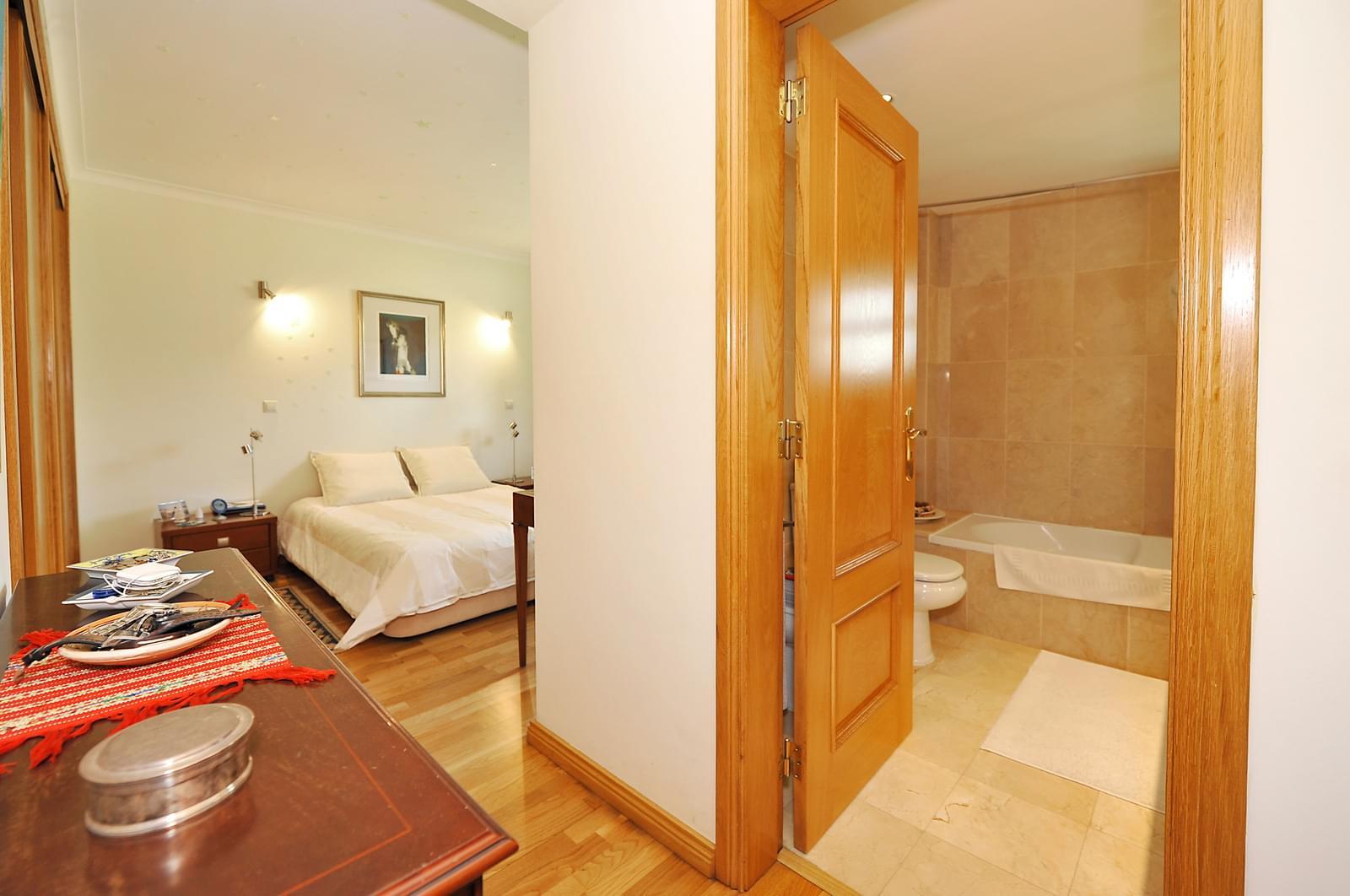 pf17941-apartamento-t3-oeiras-a9d27e49-6696-4557-8496-903bf5644a3f