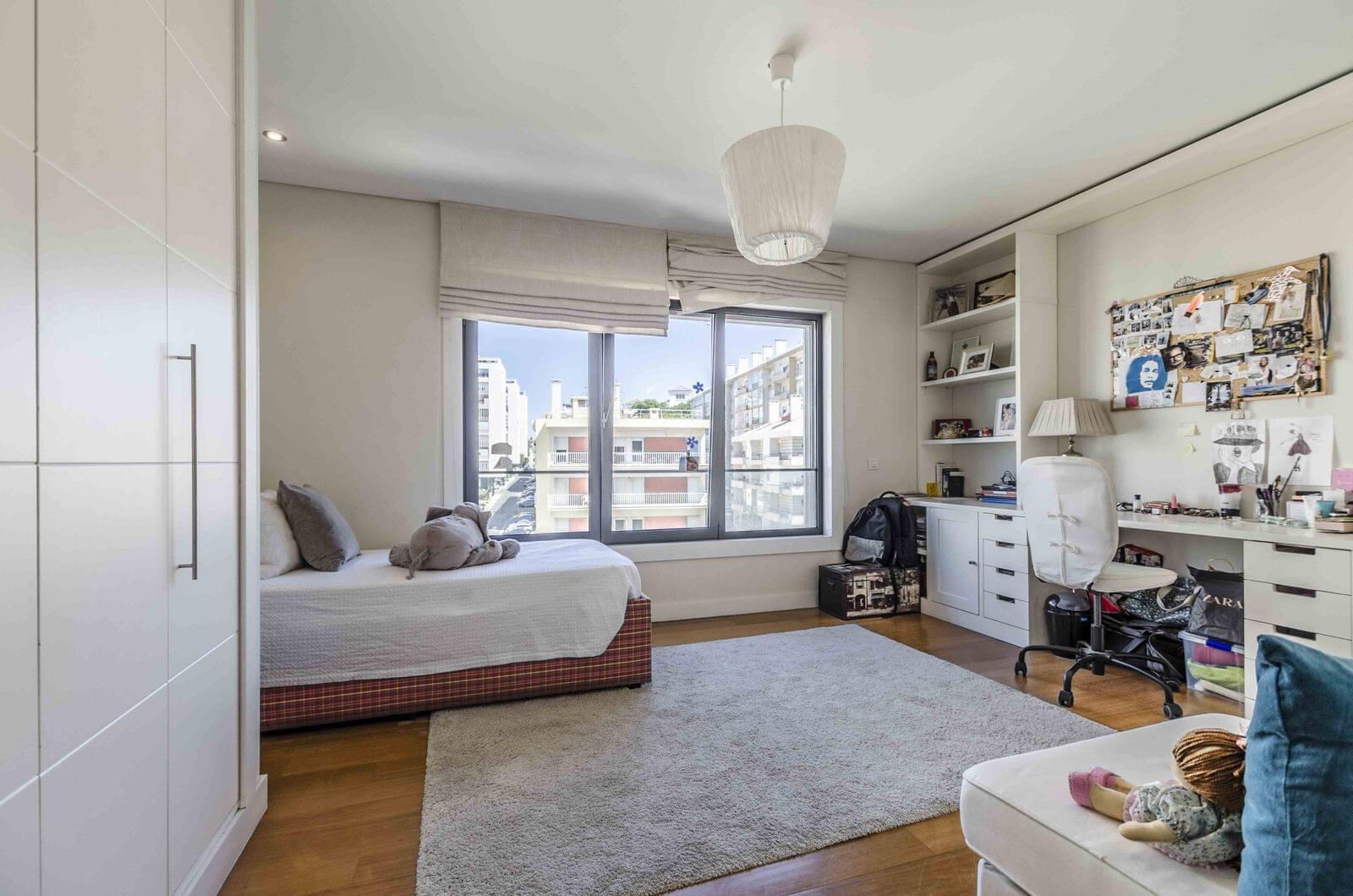 PF18015, Appartement T6, LISBOA