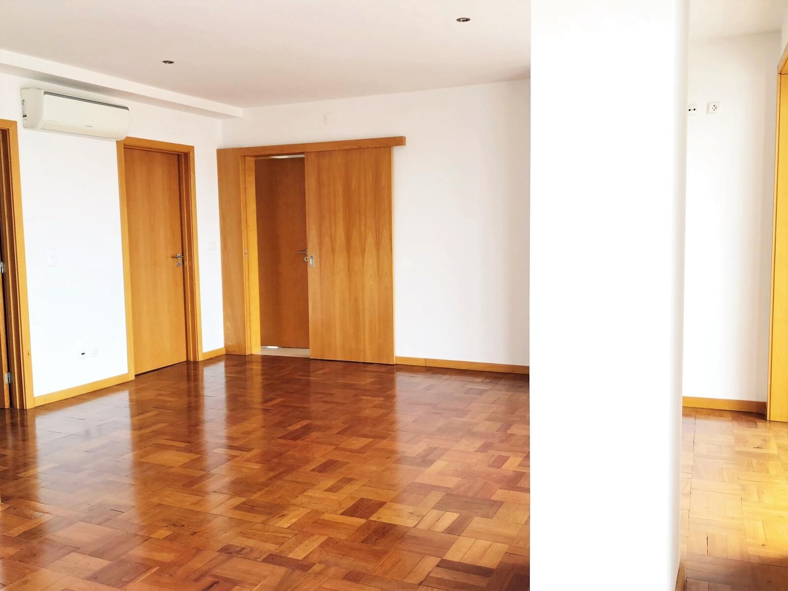 pf18040-apartamento-t3-lisboa-27066250-f115-4038-81c5-6a4a239cd057