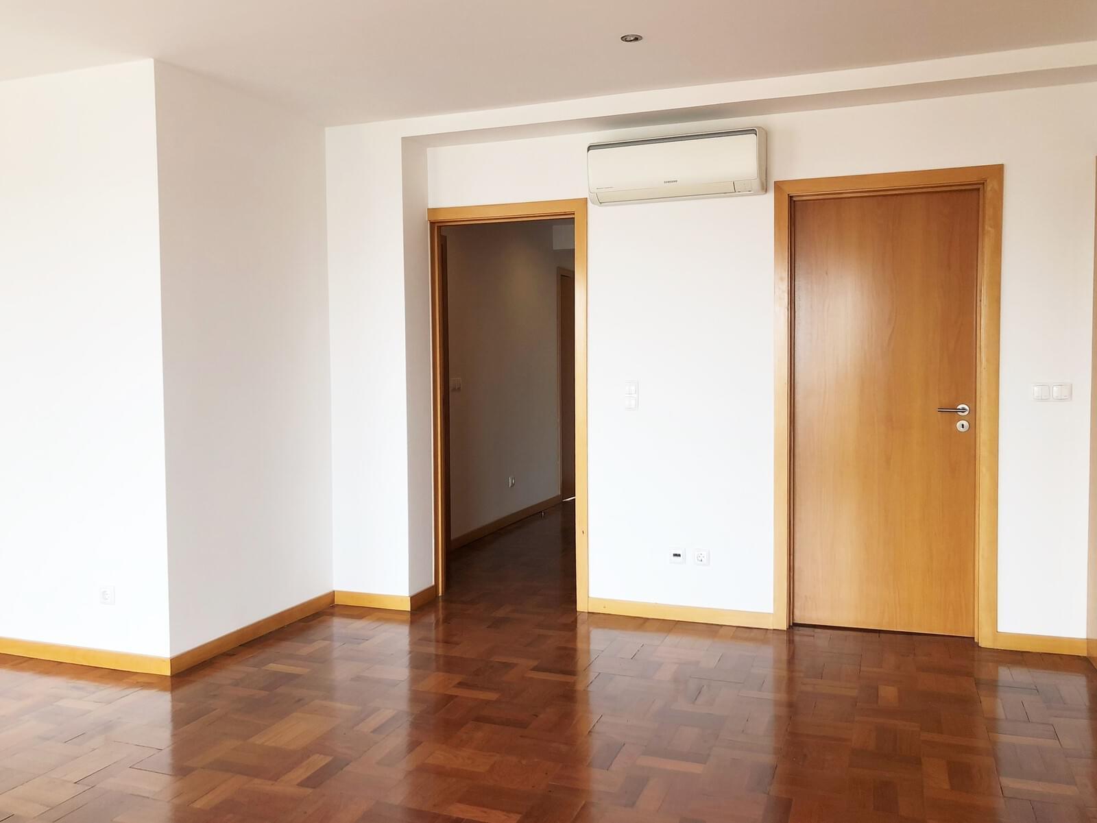 pf18040-apartamento-t3-lisboa-32e88e02-ad0a-48f4-afb5-366994e3c135